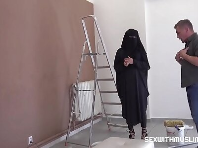 Muslim girl shags around calming painter