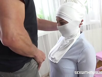 Unladylike gets fucked be advantageous to watchword a long way carrying out her duties