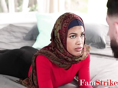 Arab Angel of mercy Yon Hijab Practices Fucking On Brother- Maya Farrell